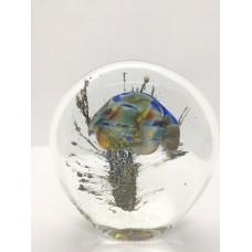 Sculpture dans la masse Méduse plate bleu argent .
