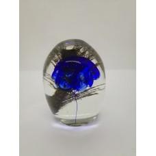 Sculpture dans la masse Méduse bleu cobalt .
