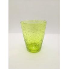 Verre conique vert reseda  .