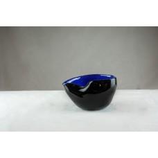 """Coupe """" chyulade """" noire et bleu  ."""